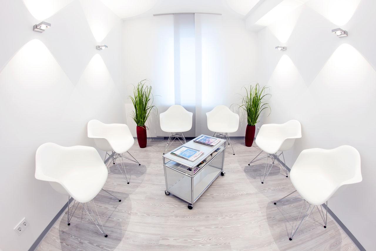 praxis wartezimmer einrichtung badezimmer kreativ gestalten. Black Bedroom Furniture Sets. Home Design Ideas